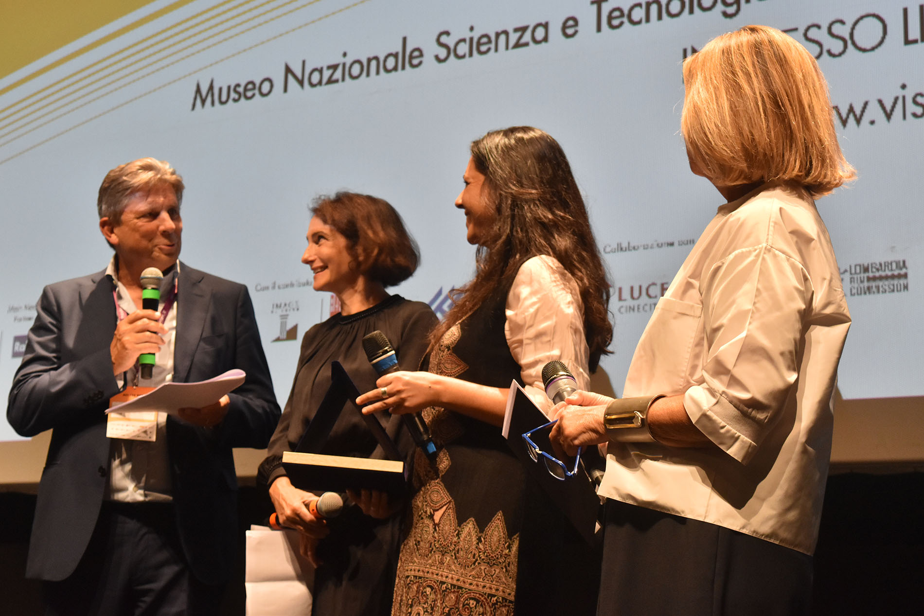Premio BNL Gruppo BNP Paribas Visioni dal Mondo Giuria Giovani a Strange Fish di Giulia Bertoluzzi
