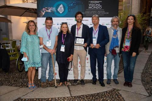 The winners of the Visioni Incontra 2021 awards with Francesco Bizzarri and Cinzia Masòtina