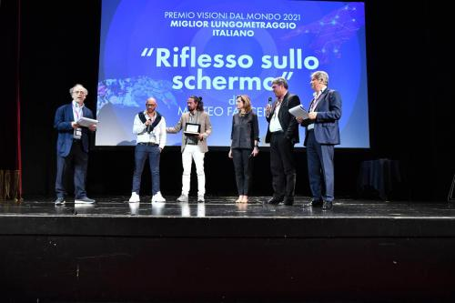 """Matteo Faccenda, director of """"Riflesso sullo schermo"""" e Stefano Simonelli, protagonist, winner of the Visioni Dal Mondo 2021 Best Italian Feature Film Award"""