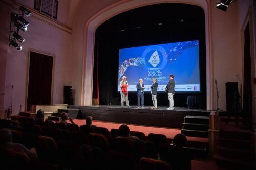 """Pubblico in sala al Teatro Litta per """"Tuk Ten"""""""